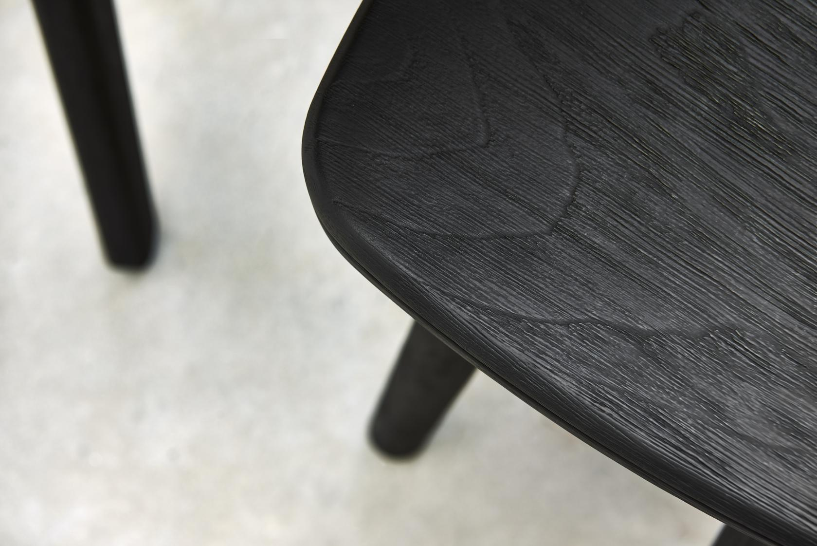 brushed-teak-nero-perfectly-balancing-indulgence-and-sophistication
