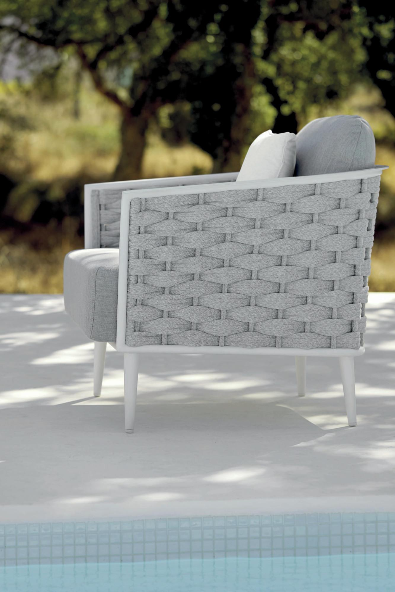 Cascade lounge chair