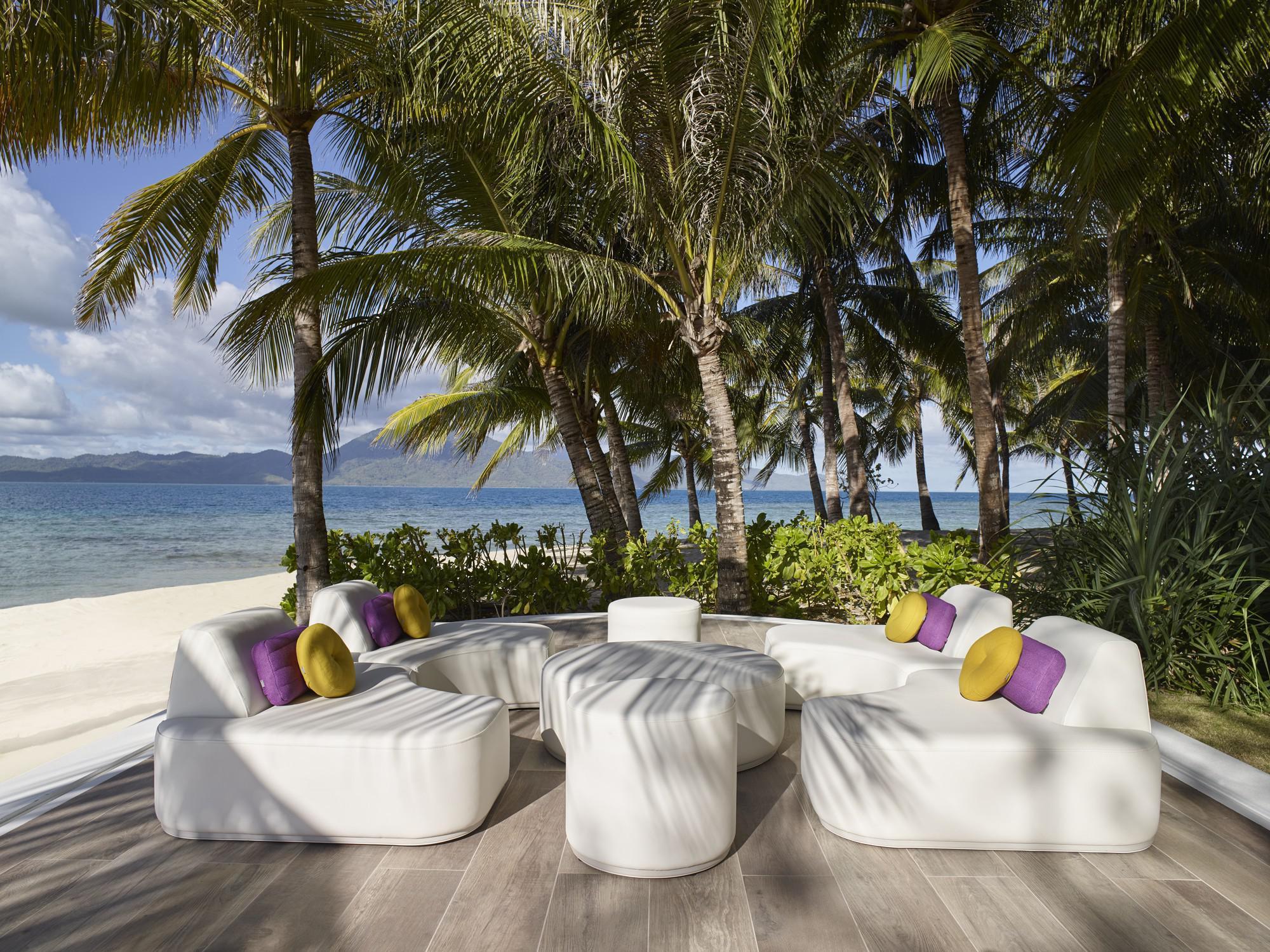 Moon Island outdoor sofa