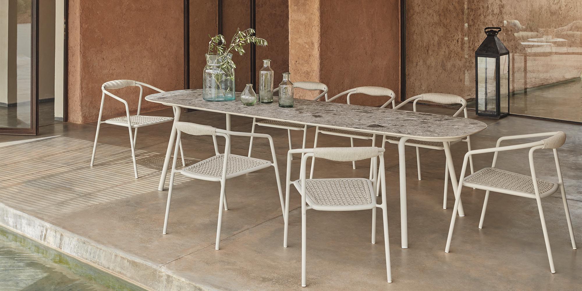 Minus-Tisch