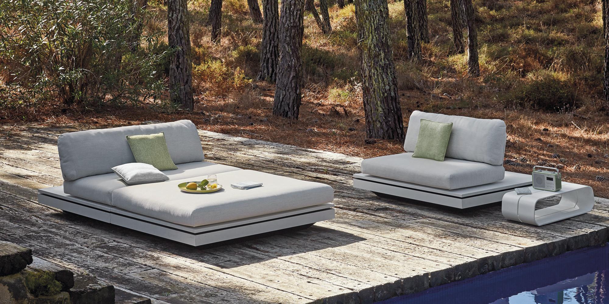Elements seating island