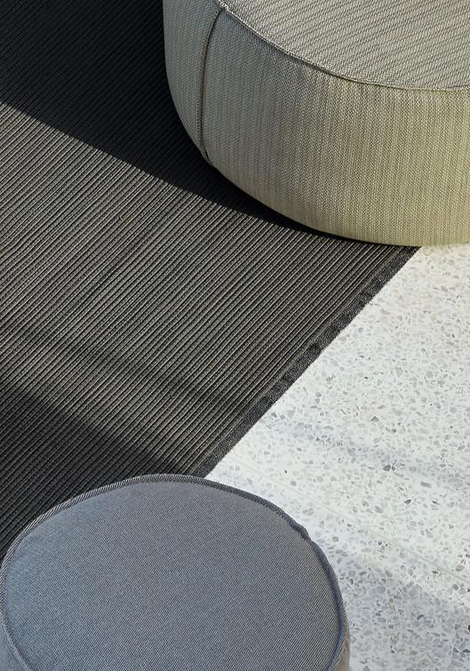 Linear Rugs