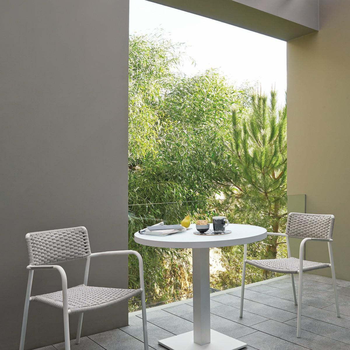 Echo Lounge Chairs
