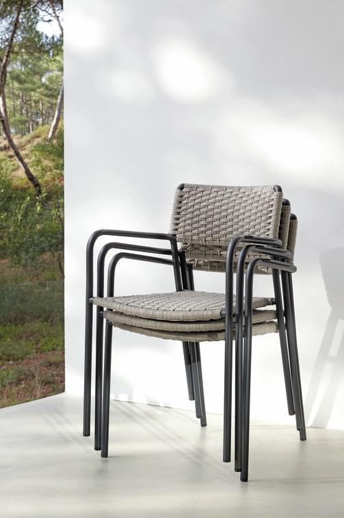 Echo Chairs
