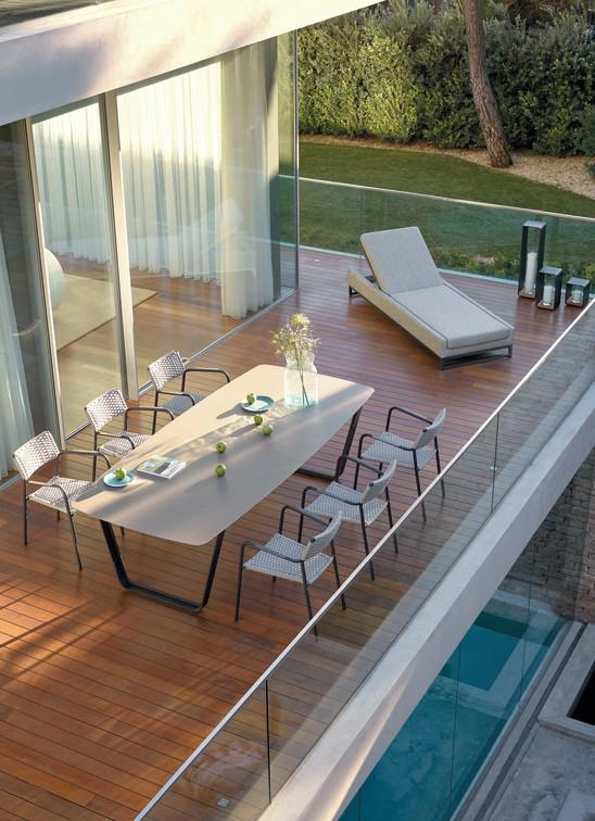 Air Dining Tables