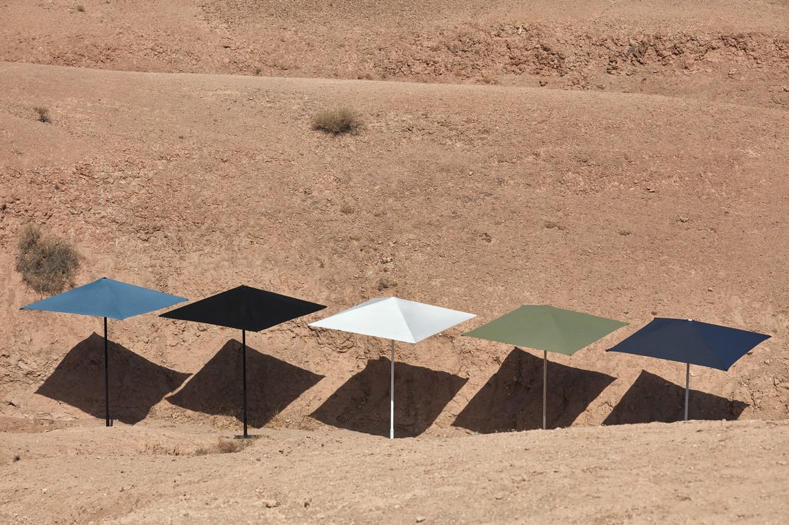 Umbrellas Sombrillas